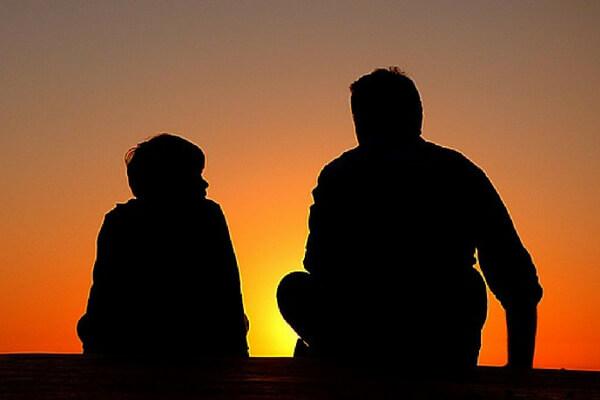 kind van een narcist, emotioneel onvolwassen ouders, onecht zelf, oorzaken van narcisme