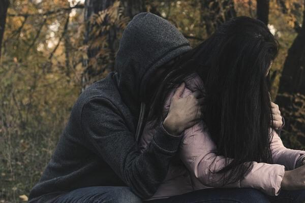 Laura dating in het donker